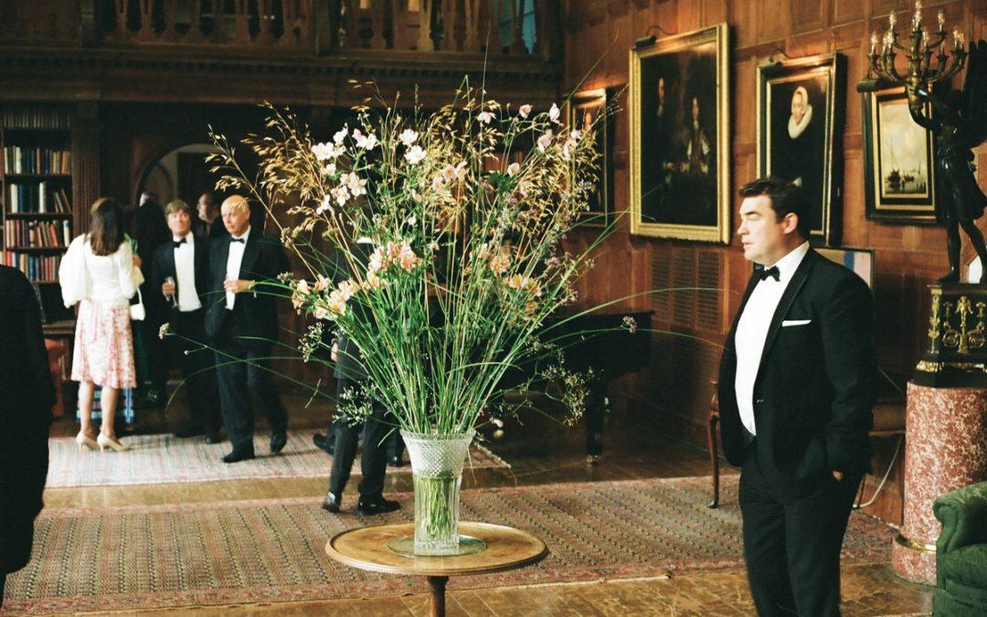 Un opéra à Glyndebourne: des fleurs et des sirènes